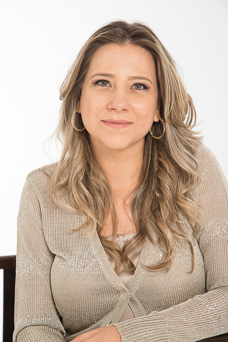 Para desenvolver o autoconhecimento, conheça as terapias que auxiliam - Sabrina Costa: Constelação Familiar